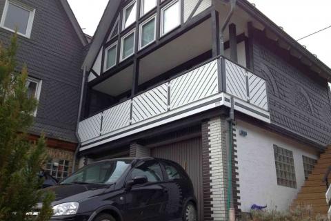 D181-Diagonal-Aluminium-Balkone-Balkongelaender-Rieb-Balkone-Wartungsfrei-Gelaender-Nie-mehr-Streichen