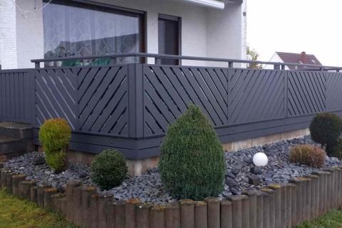 D183-Diagonal-Aluminium-Balkone-Balkongelaender-Rieb-Balkone-Wartungsfrei-Gelaender-Nie-mehr-Streichen