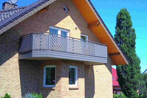 D186-Diagonal-Aluminium-Balkone-Balkongelaender-Rieb-Balkone-Wartungsfrei-Gelaender-Nie-mehr-Streichen