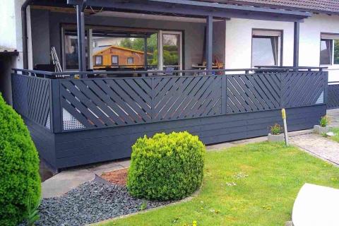 D189-Diagonal-Aluminium-Balkone-Balkongelaender-Rieb-Balkone-Wartungsfrei-Gelaender-Nie-mehr-Streichen