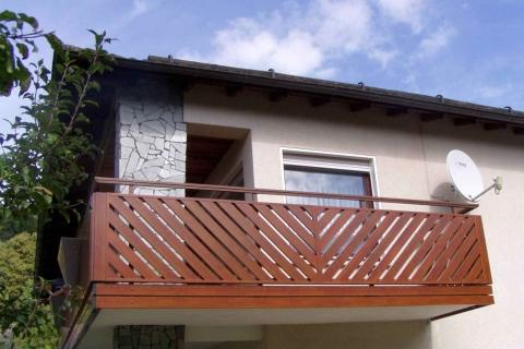 D191-Diagonal-Aluminium-Balkone-Balkongelaender-Rieb-Balkone-Wartungsfrei-Gelaender-Nie-mehr-Streichen