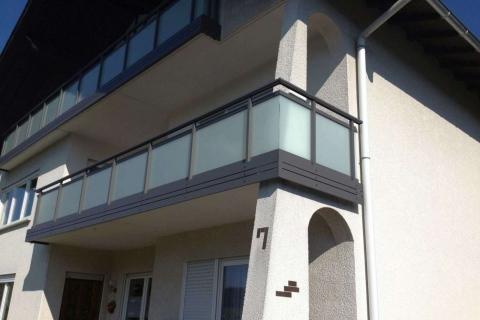 G180-Glas-Aluminium-Balkone-Balkongelaender-Rieb-Balkone-Wartungsfrei-Gelaender-Nie-mehr-Streichen