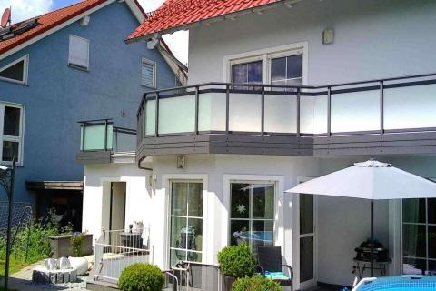 G181-Glas-Aluminium-Balkone-Balkongelaender-Rieb-Balkone-Wartungsfrei-Gelaender-Nie-mehr-Streichen