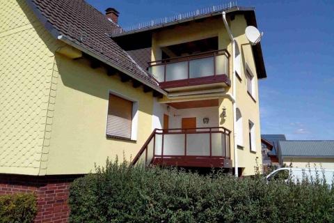 G186-Glas-Aluminium-Balkone-Balkongelaender-Rieb-Balkone-Wartungsfrei-Gelaender-Nie-mehr-Streichen