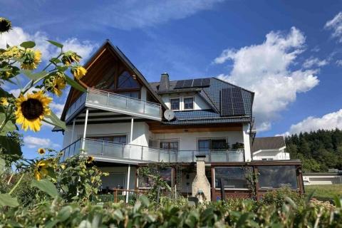 G200-Glas-Aluminium-Balkone-Balkongelaender-Rieb-Balkone-Wartungsfrei-Gelaender-Nie-mehr-Streichen