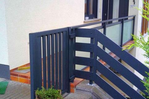 T058-Aluminium-Balkone-Balkongelaender-Rieb-Balkone-Wartungsfrei-Gelaender-Nie-mehr-Streichen