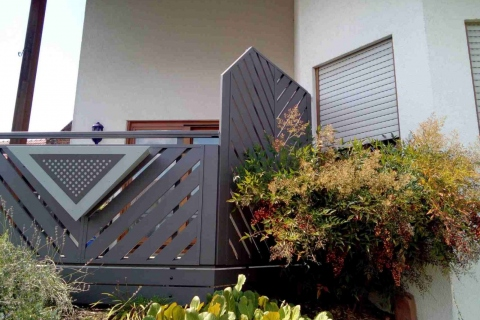 T060-Aluminium-Balkone-Balkongelaender-Rieb-Balkone-Wartungsfrei-Gelaender-Nie-mehr-Streichen