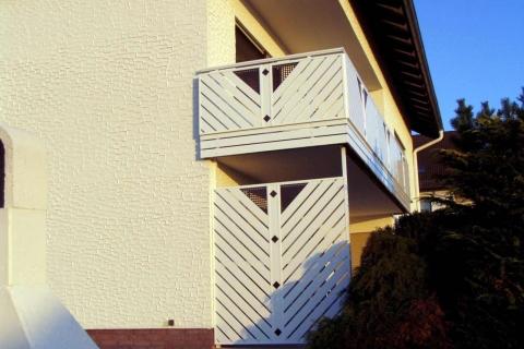T064-Aluminium-Balkone-Balkongelaender-Rieb-Balkone-Wartungsfrei-Gelaender-Nie-mehr-Streichen