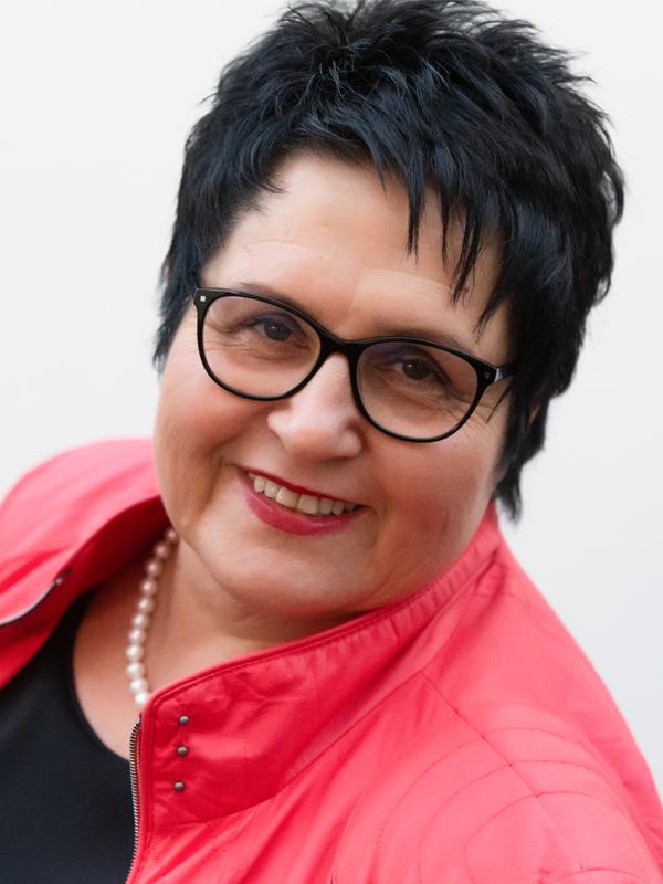 Iris Rieb