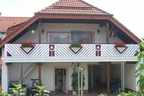 R008-Franken-Rieb-Balkone-Geländer-Aluminium-Wartungsfrei-Balkongeländer-Renovierung-Witterungsbeständig