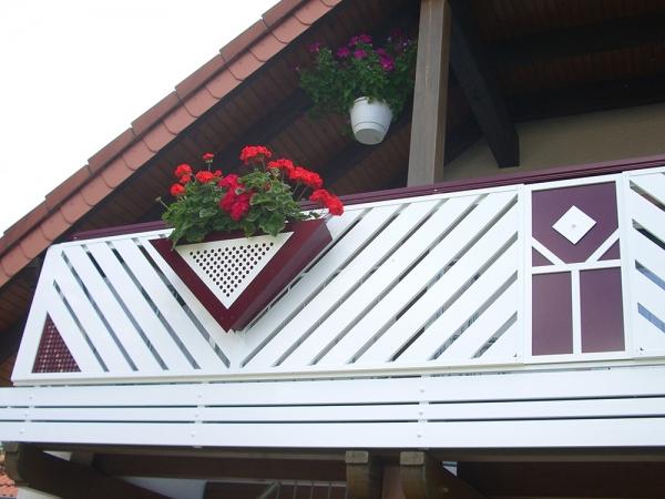 R009-Franken-Rieb-Balkone-Geländer-Aluminium-Wartungsfrei-Balkongeländer-Renovierung-Witterungsbeständig