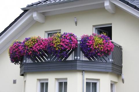 R011-Franken-Rieb-Balkone-Geländer-Aluminium-Wartungsfrei-Balkongeländer-Renovierung-Witterungsbeständig