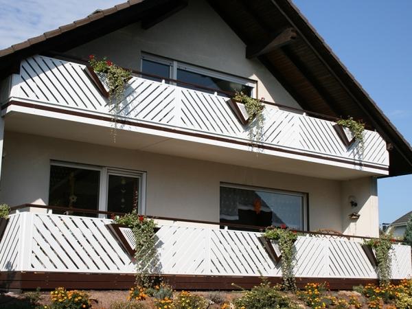 R029-Franken-Rieb-Balkone-Geländer-Aluminium-Wartungsfrei-Balkongeländer-Renovierung-Witterungsbeständig