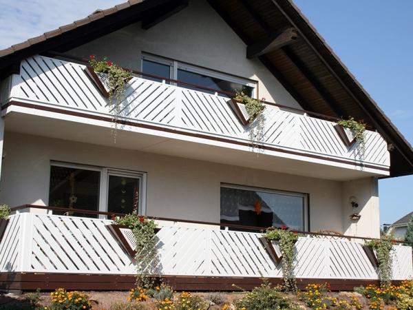 R041-Franken-Rieb-Balkone-Geländer-Aluminium-Wartungsfrei-Balkongeländer-Renovierung-Witterungsbeständig
