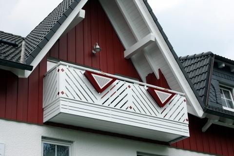 R042-Franken-Rieb-Balkone-Geländer-Aluminium-Wartungsfrei-Balkongeländer-Renovierung-Witterungsbeständig