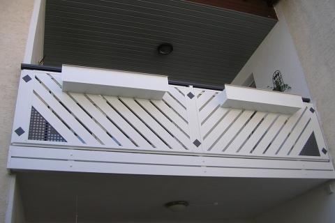 R064-Franken-Rieb-Balkone-Geländer-Aluminium-Wartungsfrei-Balkongeländer-Renovierung-Witterungsbeständig