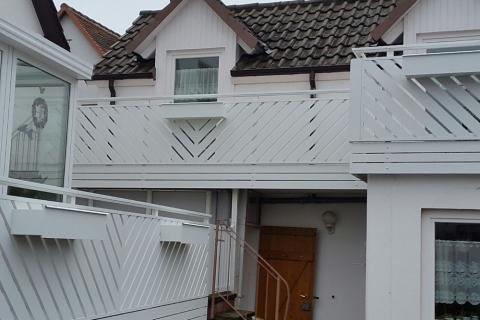 R082-Franken-Rieb-Balkone-Geländer-Aluminium-Wartungsfrei-Balkongeländer-Renovierung-Witterungsbeständig