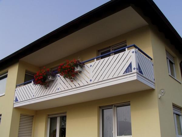 R028-Franken-Rieb-Balkone-Geländer-Aluminium-Wartungsfrei-Balkongeländer-Renovierung-Witterungsbeständig.jpg