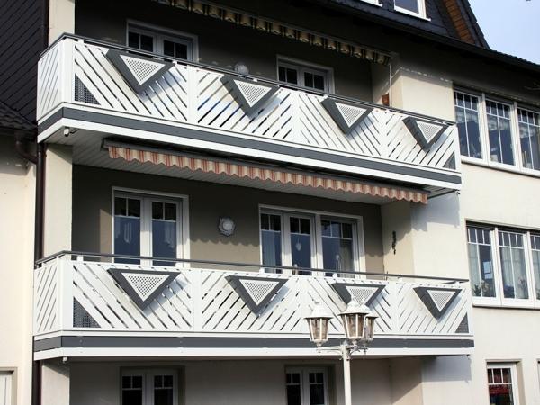 R032-Franken-Rieb-Balkone-Geländer-Aluminium-Wartungsfrei-Balkongeländer-Renovierung-Witterungsbeständig