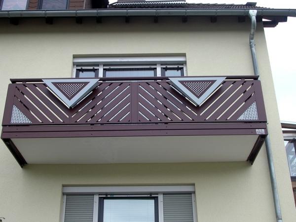 R033-Franken-Rieb-Balkone-Geländer-Aluminium-Wartungsfrei-Balkongeländer-Renovierung-Witterungsbeständig