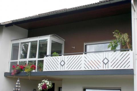D002-Diagonal-Aluminium-Balkone-Balkongelaender-Rieb-Balkone-Wartungsfrei-Gelaender-Nie-mehr-Streichen