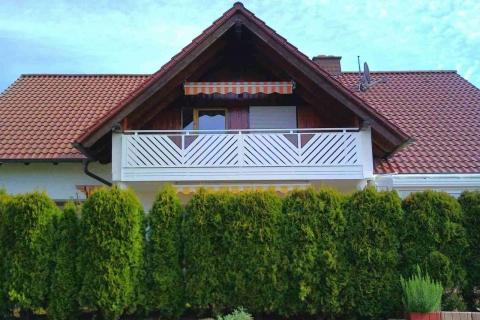 D005-Diagonal-Aluminium-Balkone-Balkongelaender-Rieb-Balkone-Wartungsfrei-Gelaender-Nie-mehr-Streichen