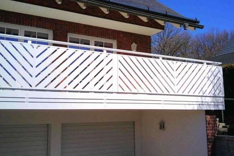 D006-Diagonal-Aluminium-Balkone-Balkongelaender-Rieb-Balkone-Wartungsfrei-Gelaender-Nie-mehr-Streichen