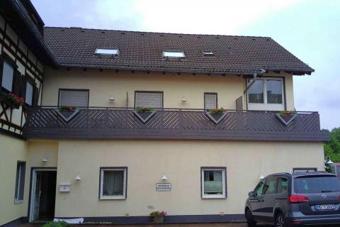 D009-Diagonal-Aluminium-Balkone-Balkongelaender-Rieb-Balkone-Wartungsfrei-Gelaender-Nie-mehr-Streichen