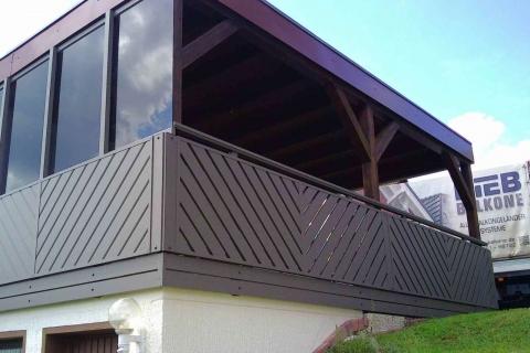 D010-Diagonal-Aluminium-Balkone-Balkongelaender-Rieb-Balkone-Wartungsfrei-Gelaender-Nie-mehr-Streichen