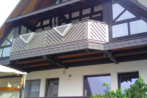D013-Diagonal-Aluminium-Balkone-Balkongelaender-Rieb-Balkone-Wartungsfrei-Gelaender-Nie-mehr-Streichen