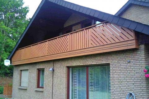 D016-Diagonal-Aluminium-Balkone-Balkongelaender-Rieb-Balkone-Wartungsfrei-Gelaender-Nie-mehr-Streichen