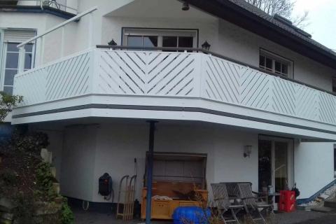 D025-Diagonal-Aluminium-Balkone-Balkongelaender-Rieb-Balkone-Wartungsfrei-Gelaender-Nie-mehr-Streichen