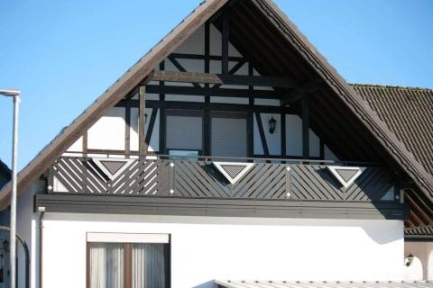 D033-Diagonal-Aluminium-Balkone-Balkongelaender-Rieb-Balkone-Wartungsfrei-Gelaender-Nie-mehr-Streichen