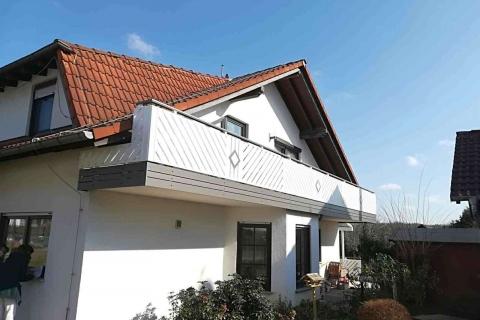 D034-Diagonal-Aluminium-Balkone-Balkongelaender-Rieb-Balkone-Wartungsfrei-Gelaender-Nie-mehr-Streichen
