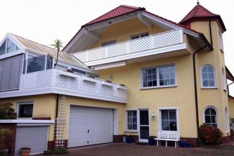 D040-Diagonal-Aluminium-Balkone-Balkongelaender-Rieb-Balkone-Wartungsfrei-Gelaender-Nie-mehr-Streichen