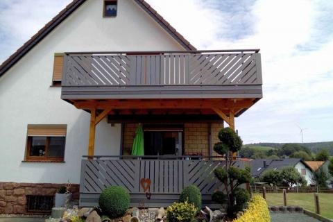 D045-Diagonal-Aluminium-Balkone-Balkongelaender-Rieb-Balkone-Wartungsfrei-Gelaender-Nie-mehr-Streichen