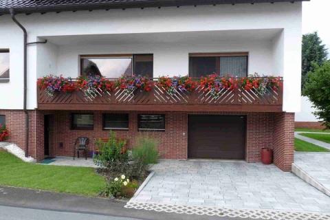 D048-Diagonal-Aluminium-Balkone-Balkongelaender-Rieb-Balkone-Wartungsfrei-Gelaender-Nie-mehr-Streichen