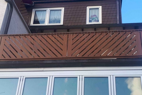 D053-Diagonal-Aluminium-Balkone-Balkongelaender-Rieb-Balkone-Wartungsfrei-Gelaender-Nie-mehr-Streichen