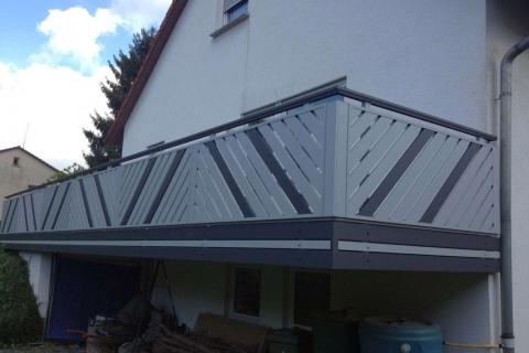D055-Diagonal-Aluminium-Balkone-Balkongelaender-Rieb-Balkone-Wartungsfrei-Gelaender-Nie-mehr-Streichen