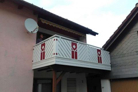 D060-Diagonal-Aluminium-Balkone-Balkongelaender-Rieb-Balkone-Wartungsfrei-Gelaender-Nie-mehr-Streichen