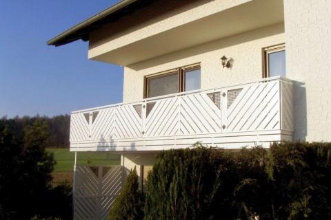 D097-Diagonal-Aluminium-Balkone-Balkongelaender-Rieb-Balkone-Wartungsfrei-Gelaender-Nie-mehr-Streichen