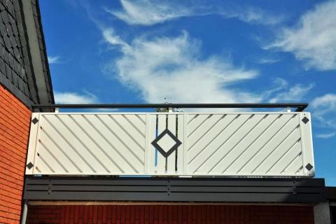 D102-Diagonal-Aluminium-Balkone-Balkongelaender-Rieb-Balkone-Wartungsfrei-Gelaender-Nie-mehr-Streichen