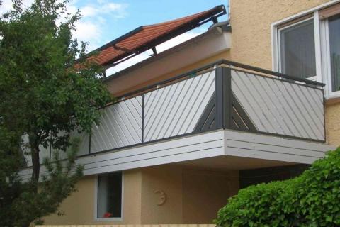 D104-Diagonal-Aluminium-Balkone-Balkongelaender-Rieb-Balkone-Wartungsfrei-Gelaender-Nie-mehr-Streichen