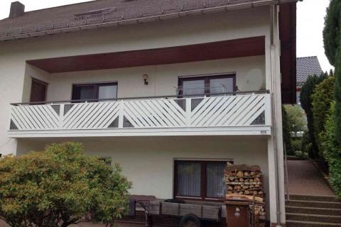 D105-Diagonal-Aluminium-Balkone-Balkongelaender-Rieb-Balkone-Wartungsfrei-Gelaender-Nie-mehr-Streichen
