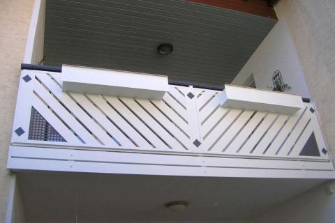 D107-Diagonal-Aluminium-Balkone-Balkongelaender-Rieb-Balkone-Wartungsfrei-Gelaender-Nie-mehr-Streichen