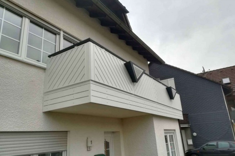 D110-Diagonal-Aluminium-Balkone-Balkongelaender-Rieb-Balkone-Wartungsfrei-Gelaender-Nie-mehr-Streichen