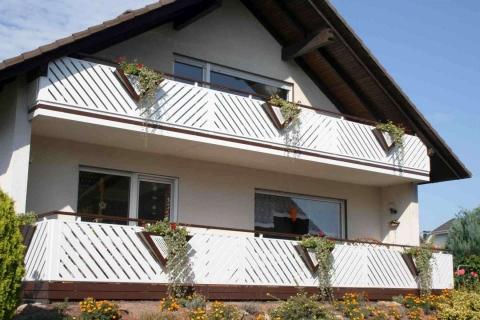 D179-Diagonal-Aluminium-Balkone-Balkongelaender-Rieb-Balkone-Wartungsfrei-Gelaender-Nie-mehr-Streichen