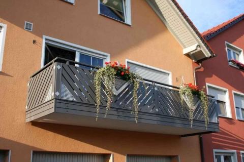 D185-Diagonal-Aluminium-Balkone-Balkongelaender-Rieb-Balkone-Wartungsfrei-Gelaender-Nie-mehr-Streichen