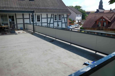 GS017-Aluminium-Balkone-Balkongelaender-Rieb-Balkone-Wartungsfrei-Gelaender-Nie-mehr-Streichen
