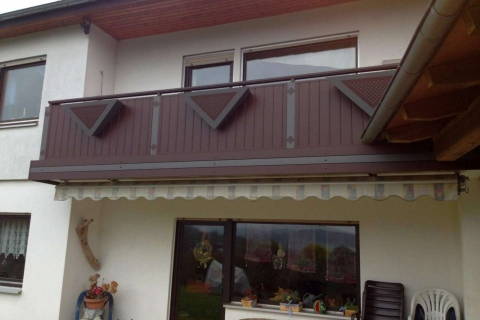 GS024-Aluminium-Balkone-Balkongelaender-Rieb-Balkone-Wartungsfrei-Gelaender-Nie-mehr-Streichen